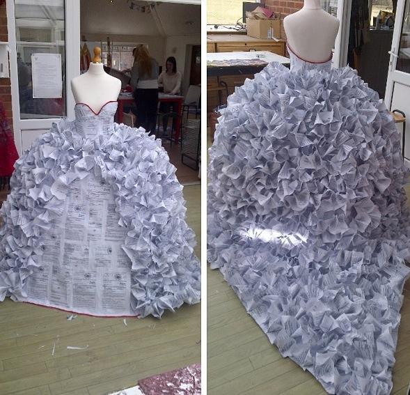 Ảnh chiếc váy từ giấy ly hôn trên trang Facebook cá nhân của Demi